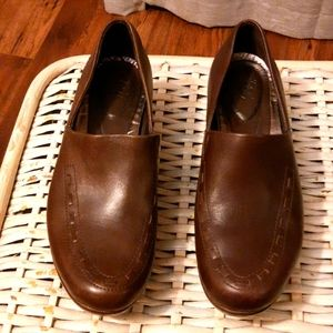 ARIAT Brown Leather Clogs Size 6.5 🧡